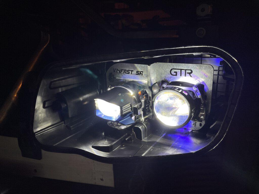 Độ đèn Vinfast Lux có bass theo xe