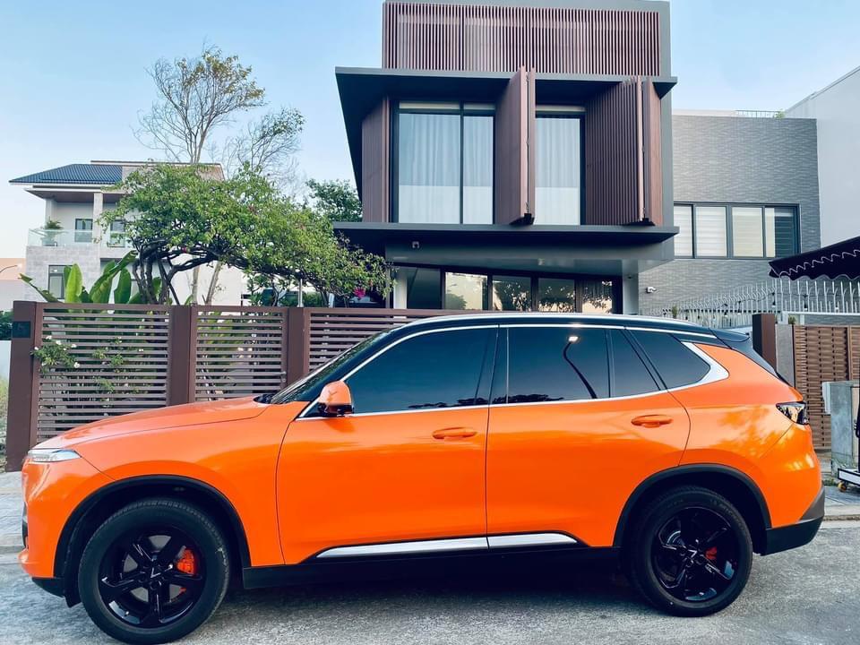 Vinfast Lux SA đổi màu cam