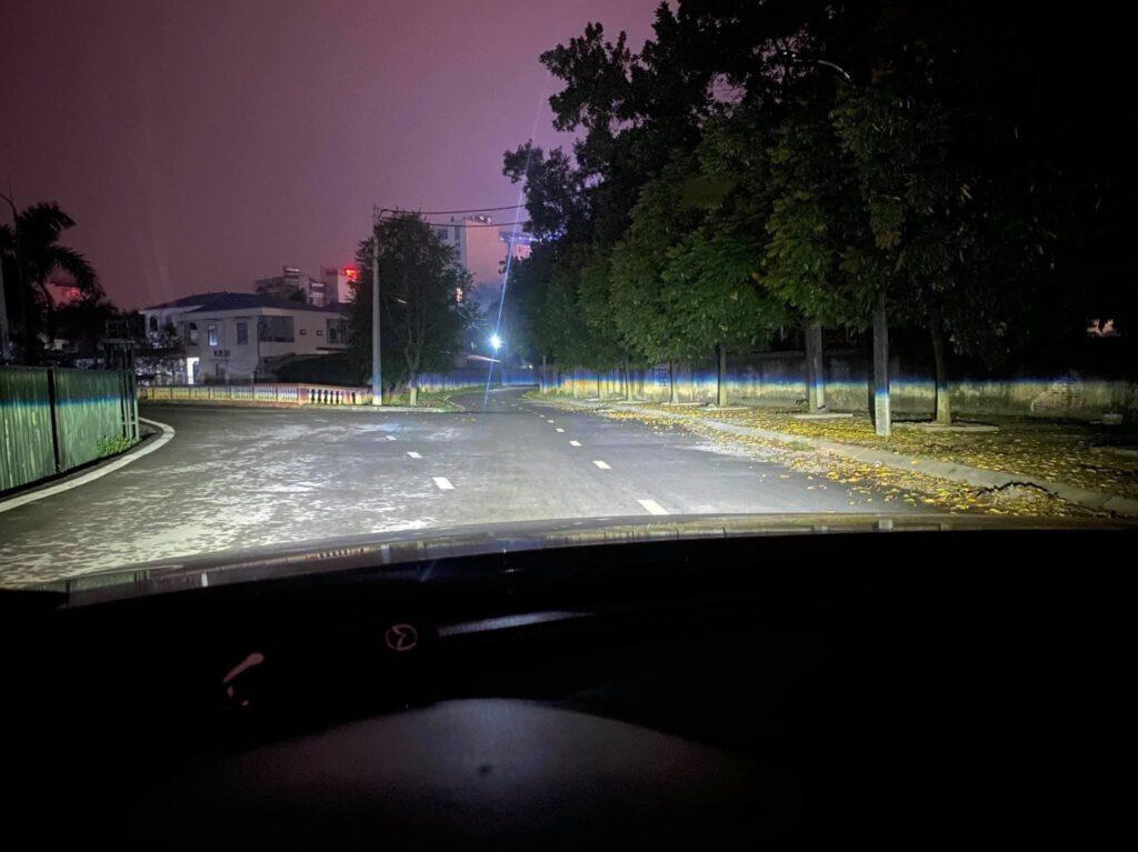 Ánh sáng chắp mọi địa hình của X-Light V30 Ultra nổi tiếng về cos