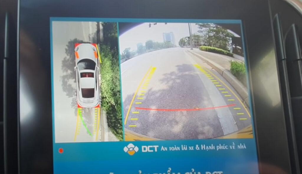 Camera 360 DCT LUX lắp trên màn hinh zin Camera sau