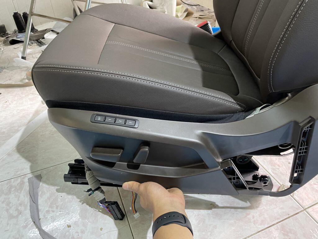 Độ ghế chỉnh điện xe Vinfast Lux A, SA