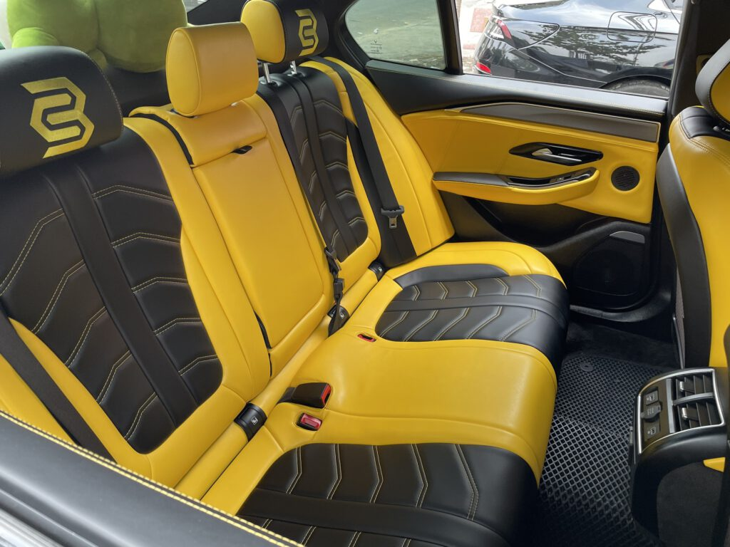 Bọc lại hàng ghế sau xe Vinfast Lux A