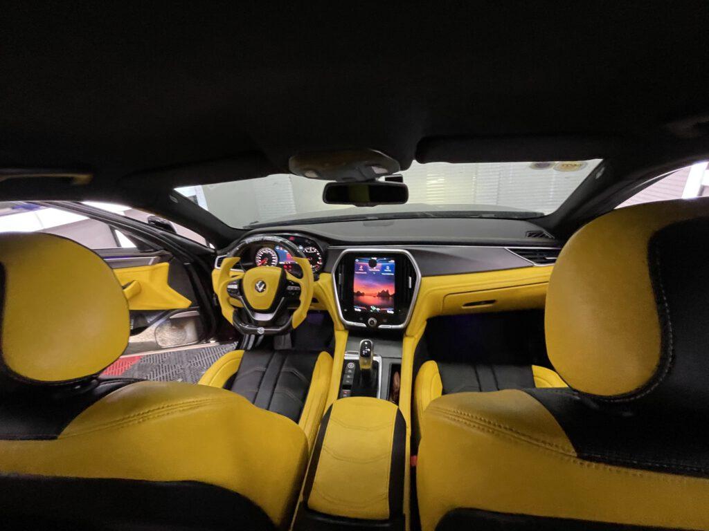 Độ nội thất xe Vinfast Lux A phong cách lamborghini