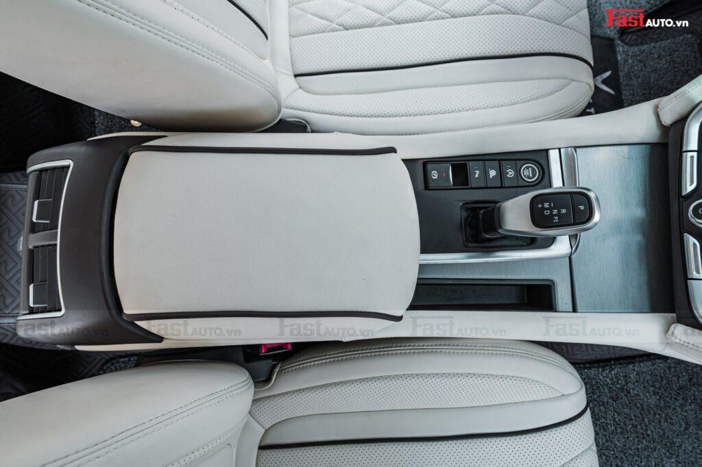Độ nội thất Maybach cho xe Vinfast Lux A độ nội thất Maybach bọc da con ngựa (tỳ tay giữa)